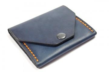 LIZZY. Компактный женский кожаный кошелек темно-синего цвета