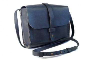 NATALI. Темно-синяя кожаная женская сумка с бежевой прошивкой