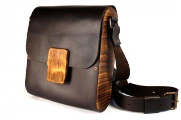 WOODY. Темно-коричневая кожаная мужская сумка с деревянными элементами