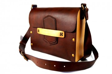 BOXY. Коричневая мужская сумка из кожи и дерева