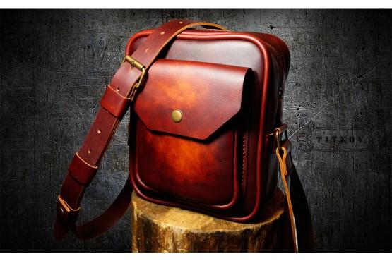 ELEGANT. Бордово-коричневая небольшая кожаная мужская сумка